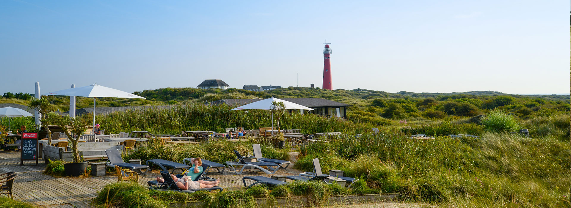 Dagtrip-Schiermonnikoog-vakantie-in-Friesland-Ljeppershiem-vakantiepark-vuurtoren