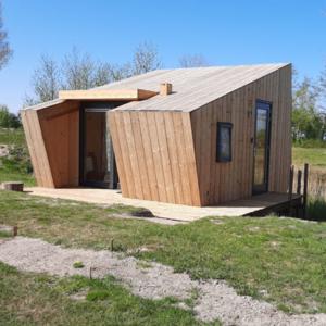 vakantie-friesland-vakantiepark-Ljeppershiem-tiny-house-De ljepper